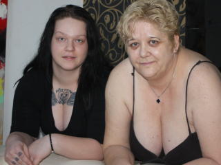 Picture of the sexy profile of JuisyPussyandMilf, for a very hot webcam live show !
