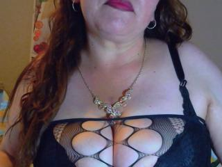 CorinaHottest - online show exciting with a Sexy mother with enormous melons