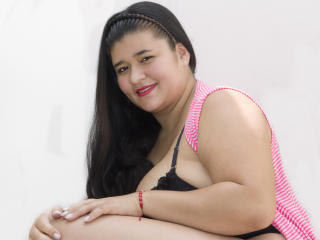 KeisyGold - Live cam nude with a big beautiful woman Young lady