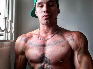Photo de profil sexy du modèle EthanHunk, pour un live show webcam très hot !