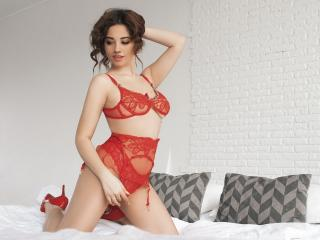 Photo de profil sexy du modèle MonicaXX, pour un live show webcam très hot !