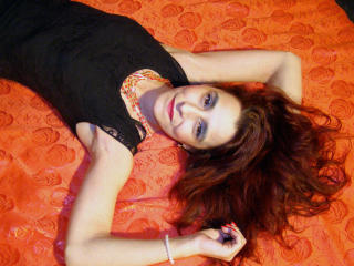 HotRobertaCrisx - Chat sexy with a latin american Sexy mother