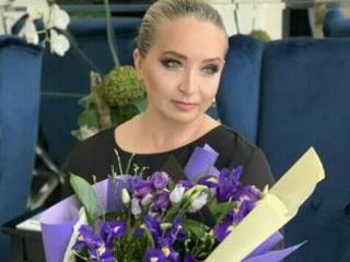 Photo de profil sexy du modèle AngelJenny, pour un live show webcam très hot !
