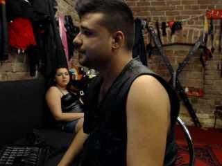 Foto del profilo sexy della modella TrioFetish, per uno show live webcam molto piccante!