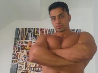 Picture of the sexy profile of MichelXXL, for a very hot webcam live show !