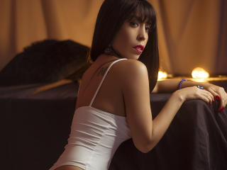 SeleneBrigth - Chat live sexy with a shaved pubis Girl