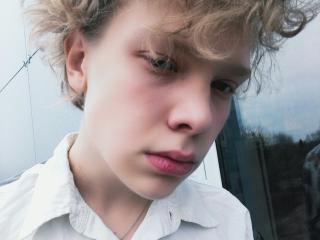 Photo de profil sexy du modèle Sashaohlux, pour un live show webcam très hot !