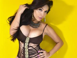 Foto del profilo sexy della modella EvaLong, per uno show live webcam molto piccante!