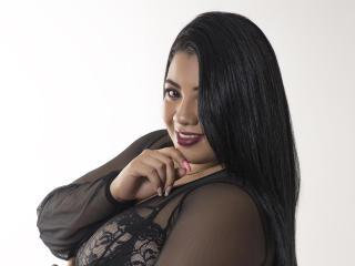Hình ảnh đại diện sexy của người mẫu LorraineCasttle để phục vụ một show webcam trực tuyến vô cùng nóng bỏng!