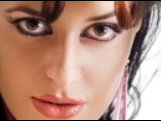 Foto de perfil sexy da modelo ExoticTaste, para um live show muito quente!